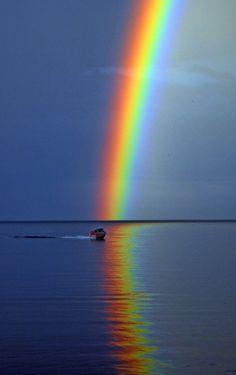 rainbow, nature, and sky Bild All Nature, Science And Nature, Amazing Nature, Nature Pictures, Beautiful Pictures, Over The Rainbow, Rainbow Water, Rainbow In The Sky, Rainbow Bridge