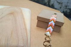 Friendship Bracelet with Chevron Pattern in Peach, Boho Style Pastel Bracelet with Vintage Gold Chain, Multicolor Braided Bracelet