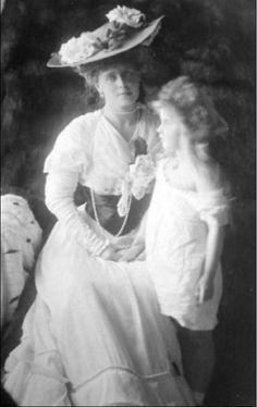 Queen Marie of Romania and Princess Marie (Mignon)