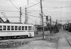 左が学習院下方面、右から高田馬場方面 1968_都電.jpg