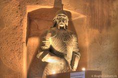 Castelul Corvinilor (Castelul Huniazilor) Vlad The Impaler, Palaces, Romania, Most Beautiful, Statue, Palace, Sculpture, Castles