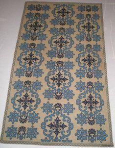 Cross Stitch Borders, Cross Stitching, Cross Stitch Embroidery, Tapestry Crochet, Bohemian Rug, Needlework, Diy And Crafts, Rugs, Pattern