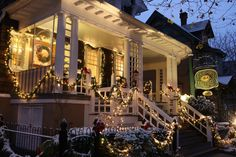15 American Towns That Host the Best Christmas Celebrations Photos | Architectural Digest