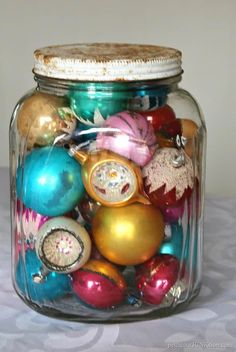 Vintage Christmas ornaments in a glass jar christmas decorations Antique Iron Christmas Tree Stand & Vintage Ornaments Retro Christmas Decorations, Vintage Christmas Ornaments, Vintage Holiday, Vintage Christmas Decorating, Victorian Christmas, Vintage Santas, Vintage Witch, Vintage Jars, Christmas Trends