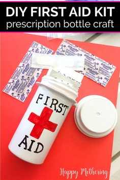 DIY First Aid Kit Prescription Bottle Craft Diy First Aid Kit, Camping First Aid Kit, Make Your Own First Aid Kit, Pill Bottle Crafts, Diy Bottle, Reuse Pill Bottles, Prescription Bottles, Pinterest Crafts, Upcycled Crafts