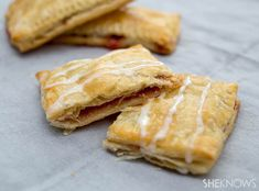 Try this easy homemade toaster strudel recipe for a school day treat. Clean Eating Breakfast, What's For Breakfast, How To Make Breakfast, Breakfast Recipes, Dessert Recipes, Homemade Toaster Strudel, Strudel Recipes, Easy Food To Make, Special Recipes