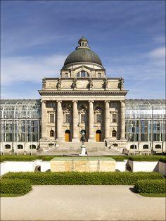 München - Bayerische Staatskanzlei von Harald Nachtmann