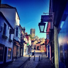 Steep Hill in Lincoln Lincoln Uk, Lincolnshire England, Emerald Isle, Great Britain, Wonders Of The World, Countryside, United Kingdom, Photo Ideas, Places To Go
