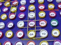Estimular as crianças desde as séries iniciais é um trabalho primordial para todas as seguintes séries.Um aluno motivado , é capaz de ir m... English Games, English Activities, Learning Activities, Activities For Kids, Recycled Toys, Writing Games, Learn Arabic Alphabet, Material Didático, Learn Portuguese