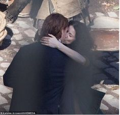 Jamie and Claire: Love in Season 2!