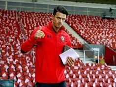 Southampton defender Jose Fonte 'edges closer to West Ham United move'