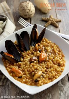 Sardinian Fregola with mussels - milvia - Tortellini Gourmet Recipes, Pasta Recipes, Healthy Recipes, Polenta, Healthy Salads, Healthy Eating, Pasta Dishes, Italian Recipes, Food Print