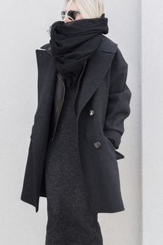 black dark grey look fashion Beauty And Fashion, Look Fashion, Womens Fashion, Fashion Black, Fall Fashion, Fashion Tips, Style Outfits, Mode Outfits, Looks Style