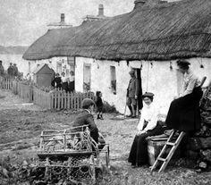 Tour Scotland Photographs: Old Photograph Thatched Cottages Island Of Iona Scotland