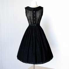 gorgeous 1950's style dress