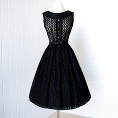 gorgeous 1950's style dress