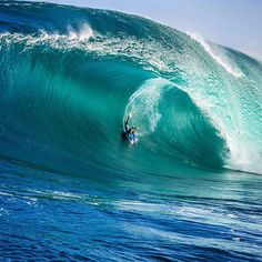 Jake Stone taming the beast Big Waves, Ocean Waves, Yoga Sport, Big Wave Surfing, Surfing Pictures, Sup Surf, Seen, Water Photography, Windsurfing