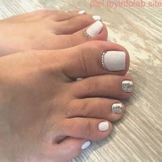 Toe nail art is one of the best ways to make your feet look sexy and interesting. If you are fond of nail art and manicure. Pretty Toe Nails, Cute Toe Nails, My Nails, Gel Toe Nails, Nail Gel, Uv Gel, Coffin Nails, Toe Nail Color, Toe Nail Art