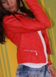 Kup mój przedmiot na #vintedpl http://www.vinted.pl/damska-odziez/kurtki/11334775-czerwona-kurtka-ekoskorka-podszewka-w-panterke