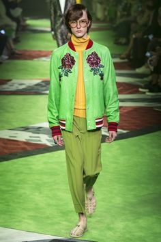 Catwalk photos and all the looks from Gucci Spring/Summer 2017 Menswear Milan Fashion Week