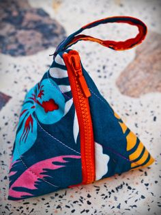 Pyramid coin purse Triangle pouch Small zippered by DooDesign, $5.99