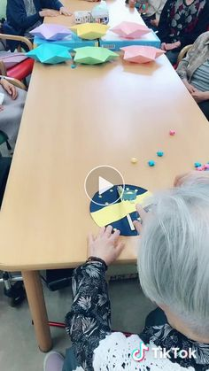 _ami824_(@_ami824_) on TikTok: #デイサービス#七夕#レクリエーション#星飛ばし Summer Crafts, Craft Videos, Acting, Make It Yourself, Activities, Games, Senior Citizen Activities, Dementia, Gaming