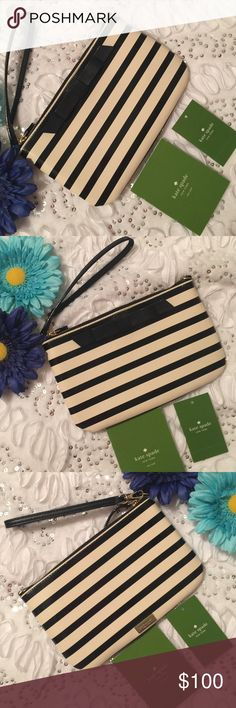"""Kate Spade ♠️ wristlet Kate Spade Lolly Chelsea Park Patent Leather Striped Wristlet / Clutch Style: WLRU1912 Color: Black / creme                                                          Patent leather with 14k gold plated hardware Zip top closure 4 interior slip pockets Kate Spade NY signature plate on back Measures: 8""""L x 5""""H x 0.5""""D & 7"""" Strap kate spade Bags Clutches & Wristlets"""