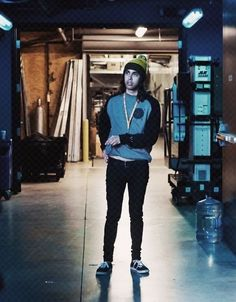 Vic Fuentes - Pierce the Veil I really hope one day I will be able to meet this incredible dude♡ Pierce The Veil, Emo Bands, Music Bands, Dancing On The Edge, Jaime Preciado, Tony Perry, Bmth, Of Mice And Men, Black Veil