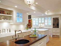 Pictures of Beautiful Kitchen Designs & Layouts From HGTV : Rooms : Home & Garden Television