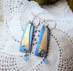 NWOT Handcrafted Silver & Gold Plate Embossed Metal Crystal Dangle Drop…