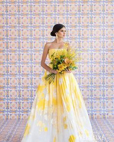 This gorgeous #bouquet and #gown combo can only be described as a ray of sunshine! | Photography By: 5ive15ifteen Photo Company | WedLuxe Magazine | #WedLuxe #luxury #wedding #luxurywedding #weddinginspiration #floral #bridal