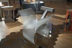 Numa outra sala, jovens designers nacionais tinham obras expostas, como Rodrigo Almeida, autor dessa cadeira