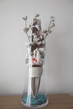 Glazen vaas met bloemstuk