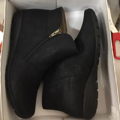 Easy Spirit Black Ankle Boots In excellent condition, in original box Easy Spirit Shoes Ankle Boots & Booties