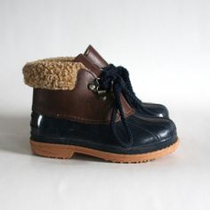 kid's size 9 fleece trimmed duck boots. 80s Maple Leaf Boots made in Canada warm and waterproof. via lisazain
