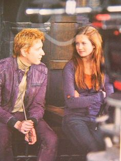 Oliver Phelps & Bonnie Wright behind the scenes (Harry Potter & The Deathly Hallows, Part Harry James Potter, Mundo Harry Potter, Harry Potter Universal, Harry Potter World, Weasley Twins, Ginny Weasley, Hermione Granger, Draco Malfoy, Severus Snape