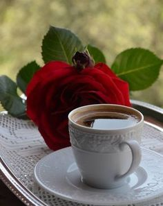 Rose and coffee cool pics in 2019 coffee cafe, coffee desser Coffee Cafe, Coffee Drinks, Coffee Mugs, Coffee Shop, Good Morning Coffee, Coffee Break, Spiced Coffee, Coffee Photography, I Love Coffee