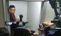 Biasanya yang duduk dalam jamban ini syaitan yang buat sidang media dalam jamban ini lebih kurang  Pemuda PKR   Pemuda PKR hari ini mempersoalkan kualiti penyokong tegar Perdana Menteri Datuk Seri Najib Razak seperti pemimpin baju merah Datuk Seri Jamal Md Yunos.  Biasanya yang duduk dalam jamban ini syaitan yang buat sidang media dalam jamban ini lebih kurang kata Timbalan Ketua Pemuda PKR Afif Bahardin.  Baca:Berang BERSIH tuntutnya mohon maaf Jamal Md Yunos campak surat saman dalam lubang…