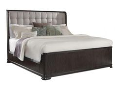 This bed with a quilted headboard is the perfect combination of comfort, style and sophistication