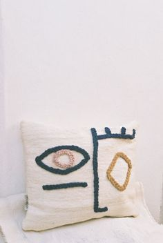 LRNCE-VISAGE-PILLOWCASE-WOOL-EMBROIDERY