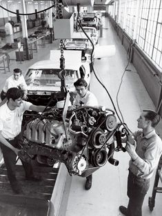 mustang 429 ci assembly plant. WOW  To be there and watch history in the making.