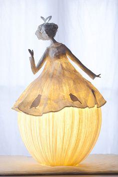 Ethereal Papier-Mache Lamp Sculptures of Dancers & Fairies The team of Sophie Mouton-Perrat and Frédéric Guibrunet, aka Papier à êtres, have been constructing delicate and ethereal papier mache. White Lanterns, Paper Lanterns, Paper Lamps, Papier Diy, Creative Lamps, Lampshades, Sculpture Art, Paper Sculptures, Lamp Light