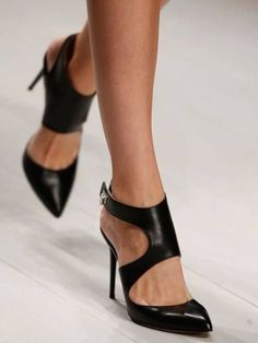 5cad06369df Black Heels Daks Spring 2013 Ready-to-Wear Collection