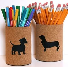 On ne jette pas, on garde quelques boites de conserve pour en faire de jolis cache-pots, des pots à crayons, des pots de fleurs, des boites déco, et bien des choses encore..Voici quelques idées pour recycler, décorer et customiser vos boites de conserves.. Ne jetez plus vos boîtes de conserve,...