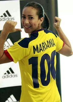MARIANA PAJON, ciclista BMX. Medallista olímpica. Divas, Colombian Girls, Bmx Racing, Sport One, Athletic Women, Columbia, Athlete, Yellow Fever, Landscapes
