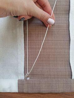 Римские шторы — это одна из самых популярных моделей штор, у нее много достоинств, например: меньший расход ткани, чем на портьеры; удобный механизм, можно регулировать поток света, быстро поднимая и… Roman Blinds, Small Space Living, Repurposed Furniture, Roman Shades, Furniture Makeover, Arrow Necklace, Curtains, Silver, Diy