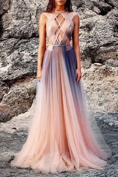 Find tips and tricks, amazing ideas for Spring couture. Discover and try out new things about Spring couture site Elegant Dresses, Pretty Dresses, Sexy Dresses, Casual Dresses, Backless Dresses, Amazing Dresses, Tight Dresses, Fantasy Dress, Beautiful Gowns