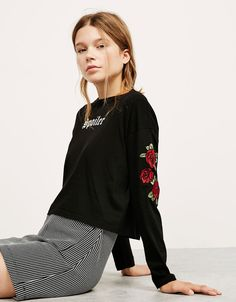 Top with embroidered roses on sleeves - New - Bershka United Kingdom