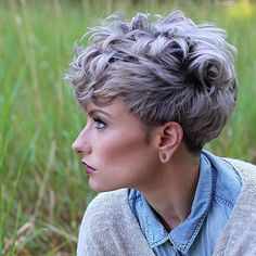 20 different wavy pixie cuts. List of different wavy pixie hairstyles to try this season. Best comfortable and lovely pixie hairstyles. Wavy Pixie Cut, Messy Pixie Haircut, Short Pixie, Pixie Cut Color, Curled Pixie, Messy Pixie Cuts, Shaggy Pixie, Asymmetrical Pixie, Curly Short