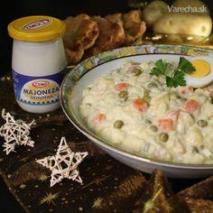 Komerčný recept Vynikajúci tradičný vianočný šalát s ochutenou majonézou.